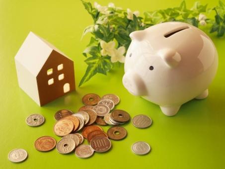 豚の貯金箱とお金